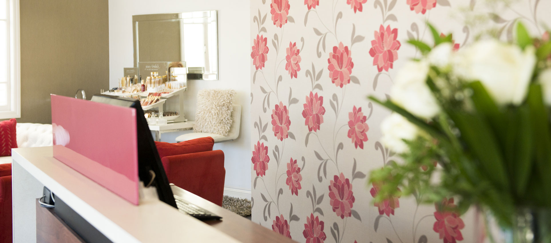 salon-interior-reception